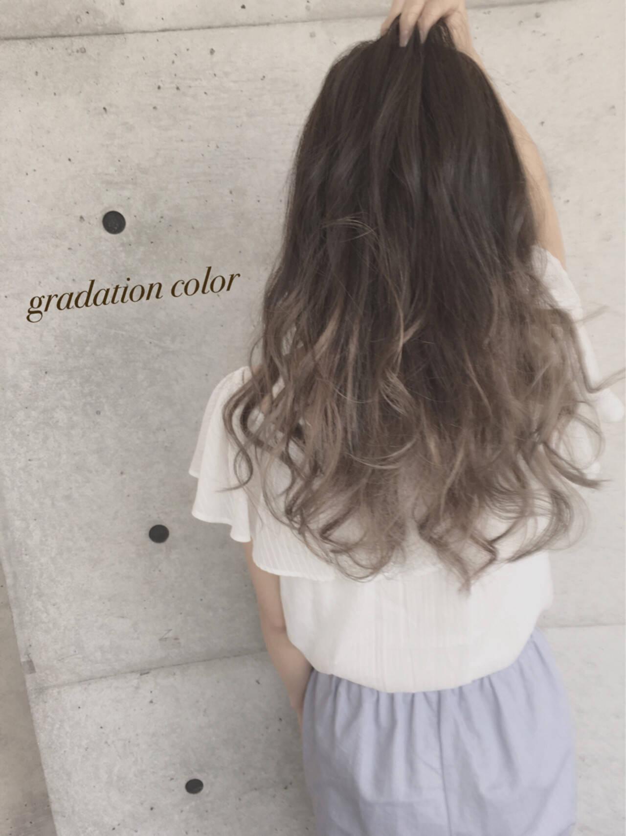 渋谷系 アッシュ ロング 外国人風ヘアスタイルや髪型の写真・画像