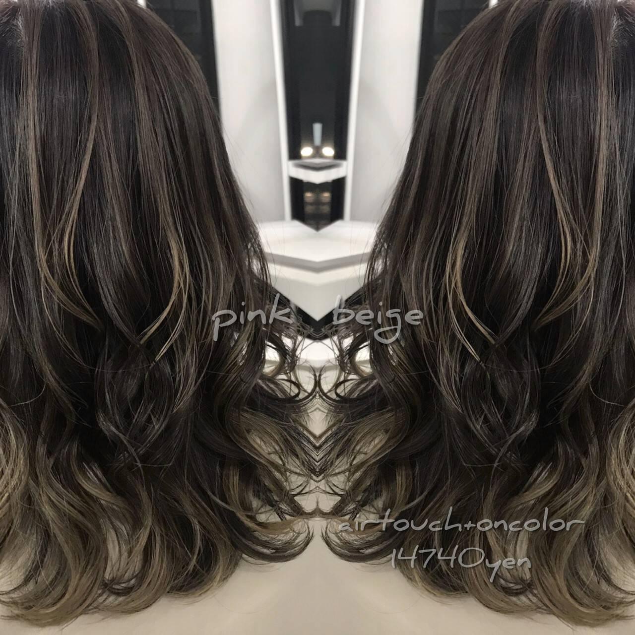 エレガント バレイヤージュ セミロング ダークグレーヘアスタイルや髪型の写真・画像