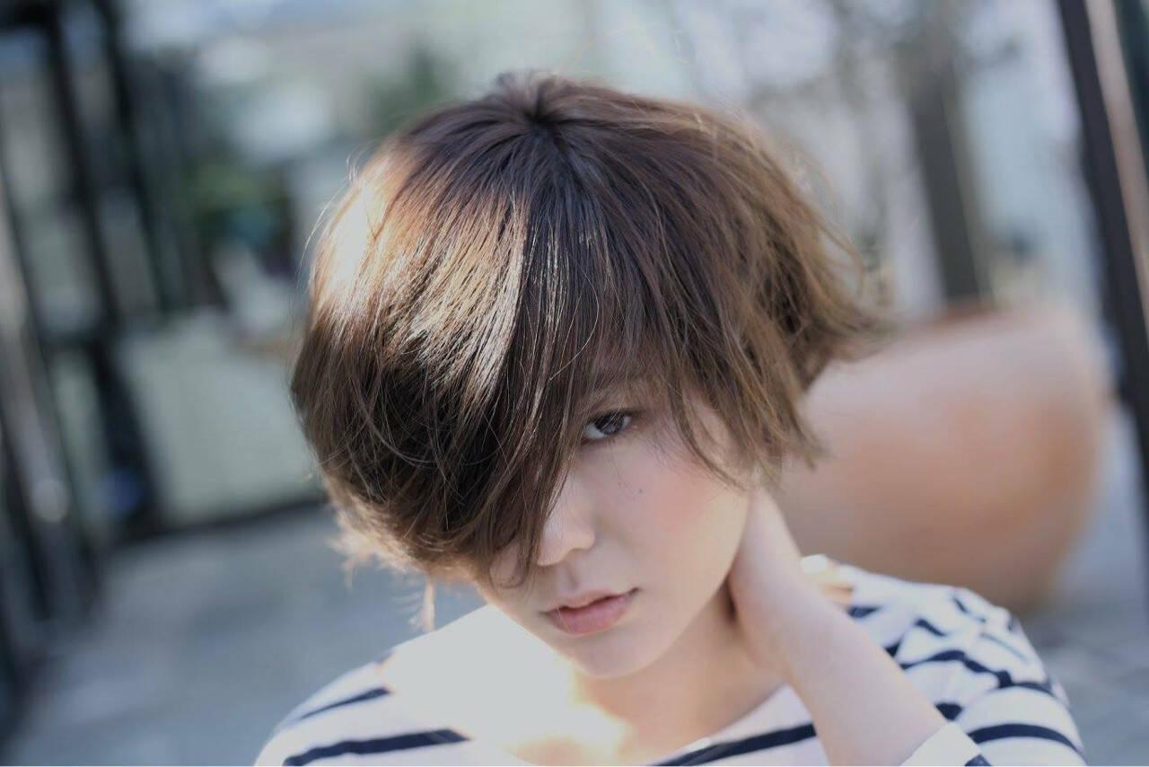 簡単ヘアアレンジ 外ハネ ストリート アッシュヘアスタイルや髪型の写真・画像