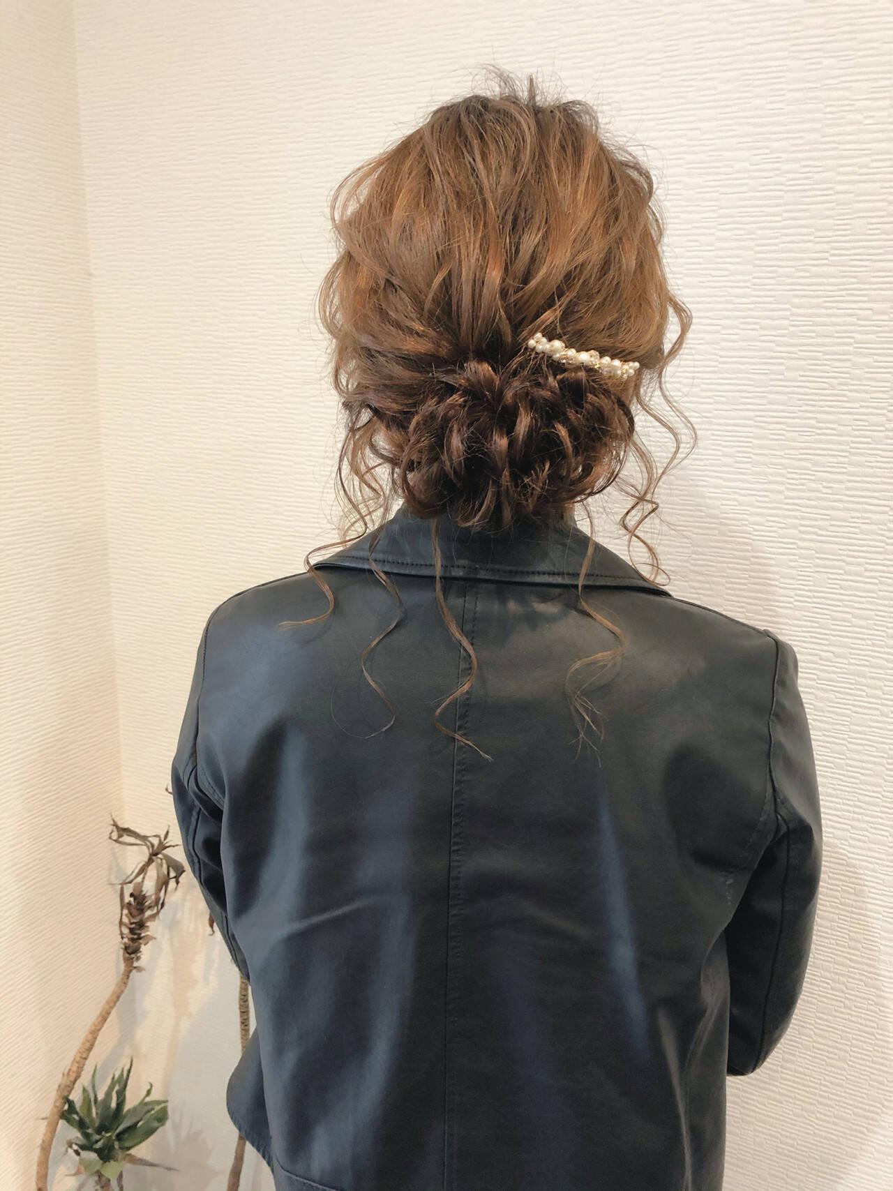 アップ ヘアセット 結婚式 フェミニンヘアスタイルや髪型の写真・画像