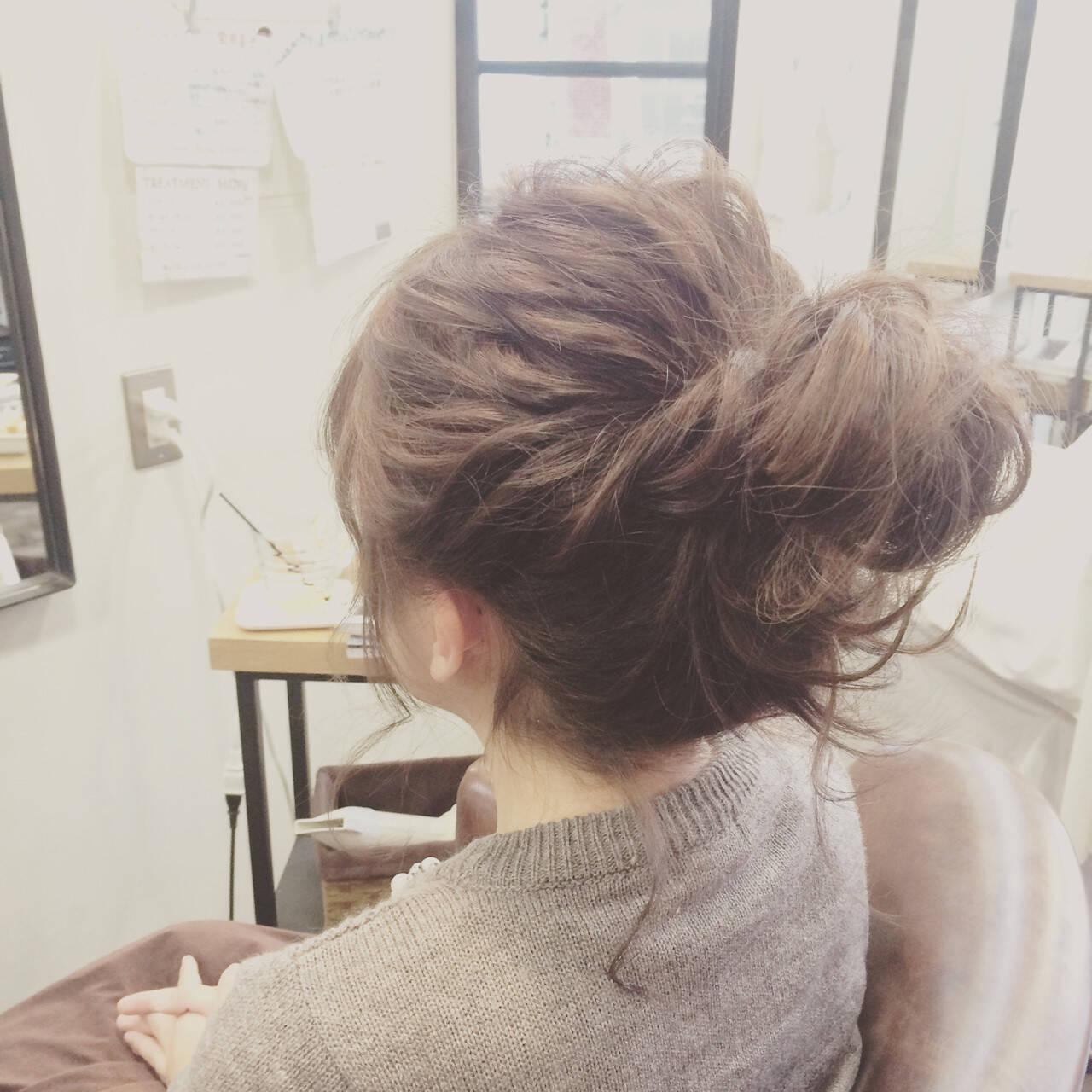セミロング 大人かわいい お団子 ヘアアレンジヘアスタイルや髪型の写真・画像