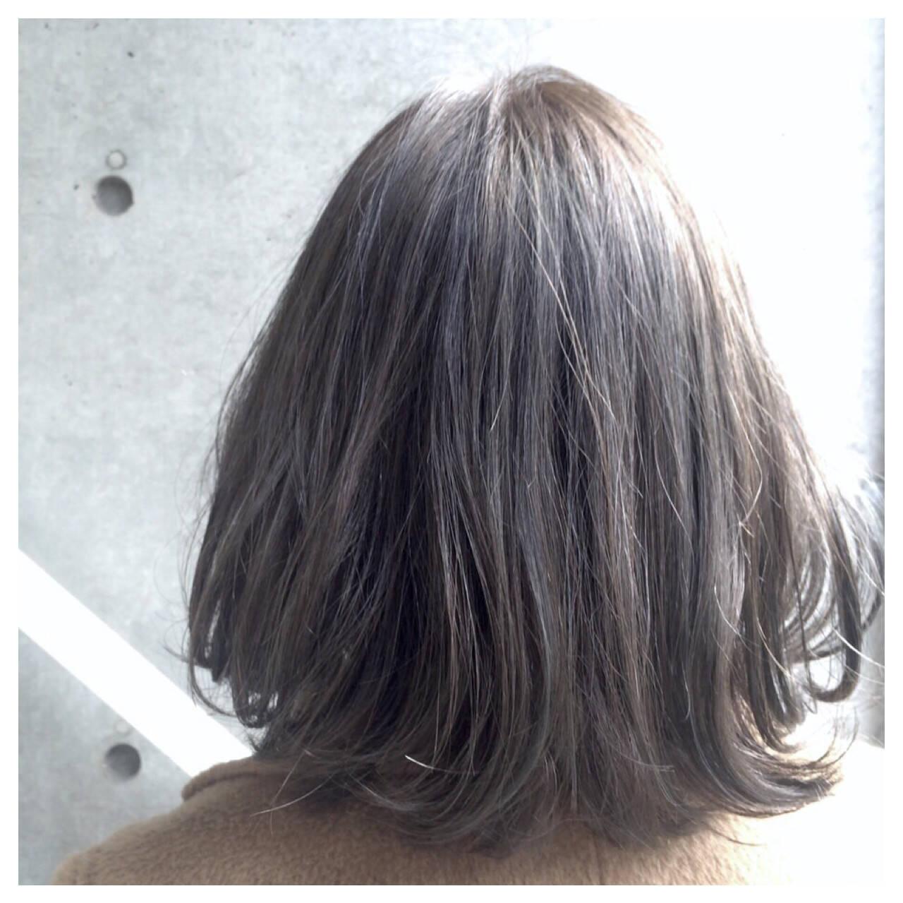 ハイライト グレージュ アッシュ ボブヘアスタイルや髪型の写真・画像
