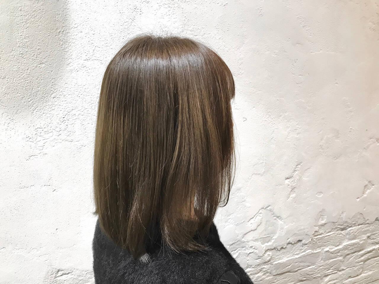 切りっぱなしボブ ストリート アッシュベージュ ボブヘアスタイルや髪型の写真・画像