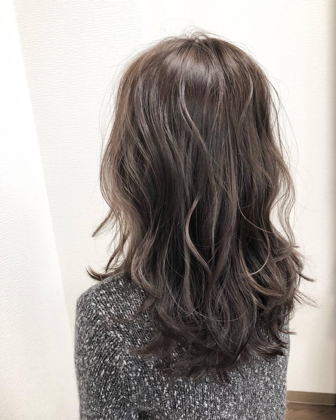 デート エレガント 波ウェーブ 大人ハイライトヘアスタイルや髪型の写真・画像
