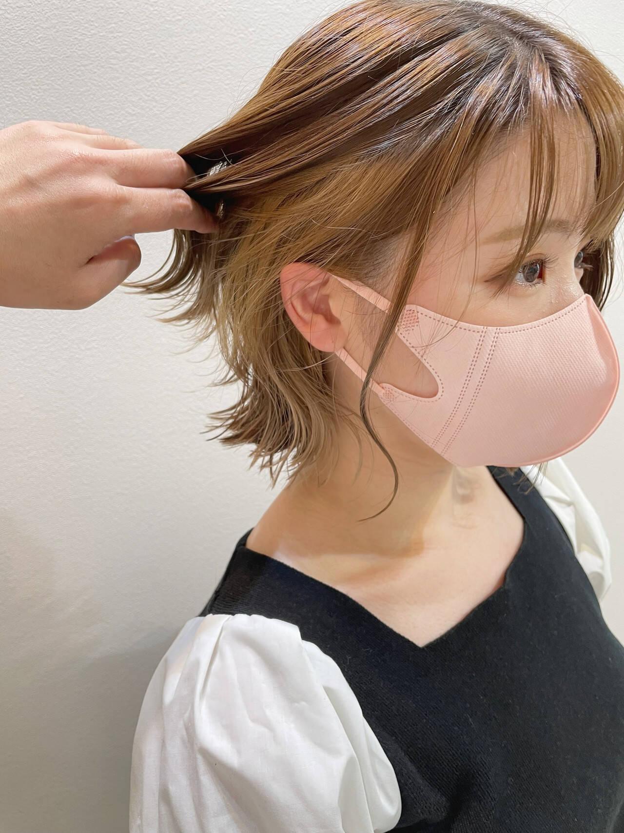 イヤリングカラー 切りっぱなしボブ インナーカラー イヤリングカラーベージュヘアスタイルや髪型の写真・画像