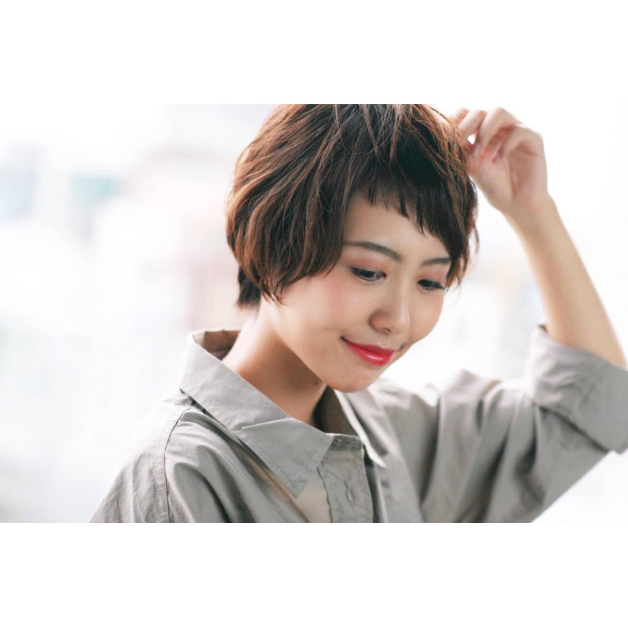 小顔 リラックス アシメバング フェミニンヘアスタイルや髪型の写真・画像