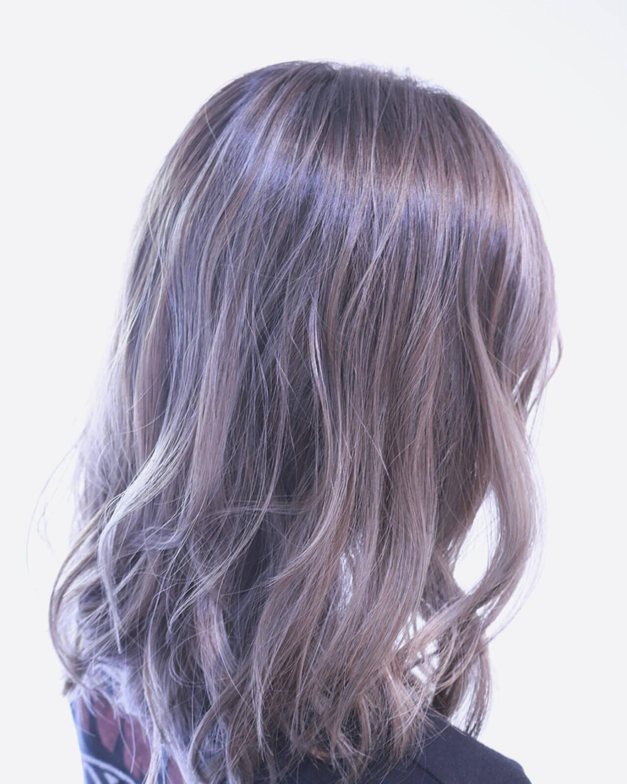 アンニュイ ボブ ウェーブ バレイヤージュヘアスタイルや髪型の写真・画像