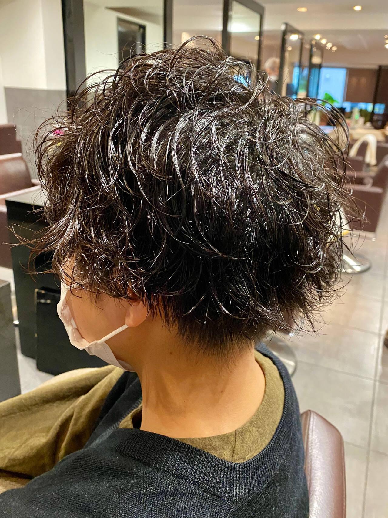 スパイラルパーマ メンズパーマ メンズカット メンズヘアスタイルや髪型の写真・画像