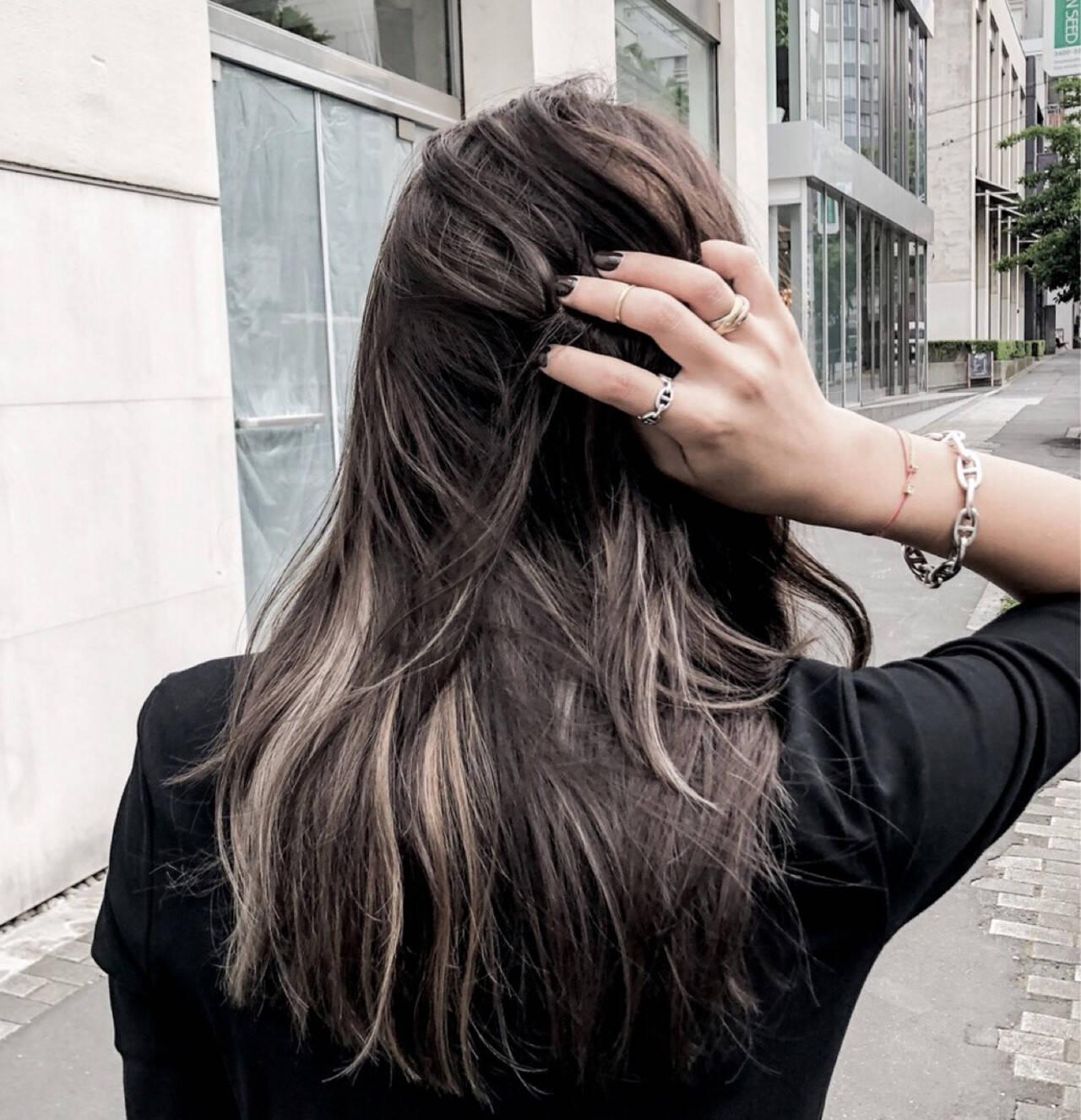 ナチュラル 暗髪 ハイライト 外国人風カラーヘアスタイルや髪型の写真・画像