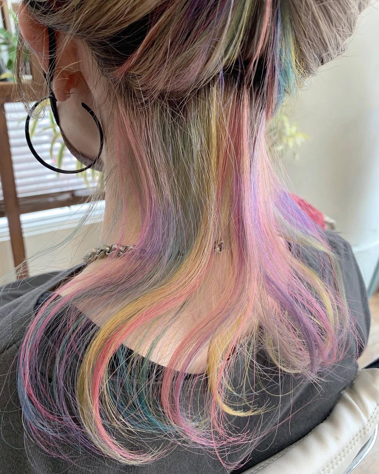 ハイライト ユニコーンカラー セミロング ブリーチカラーヘアスタイルや髪型の写真・画像