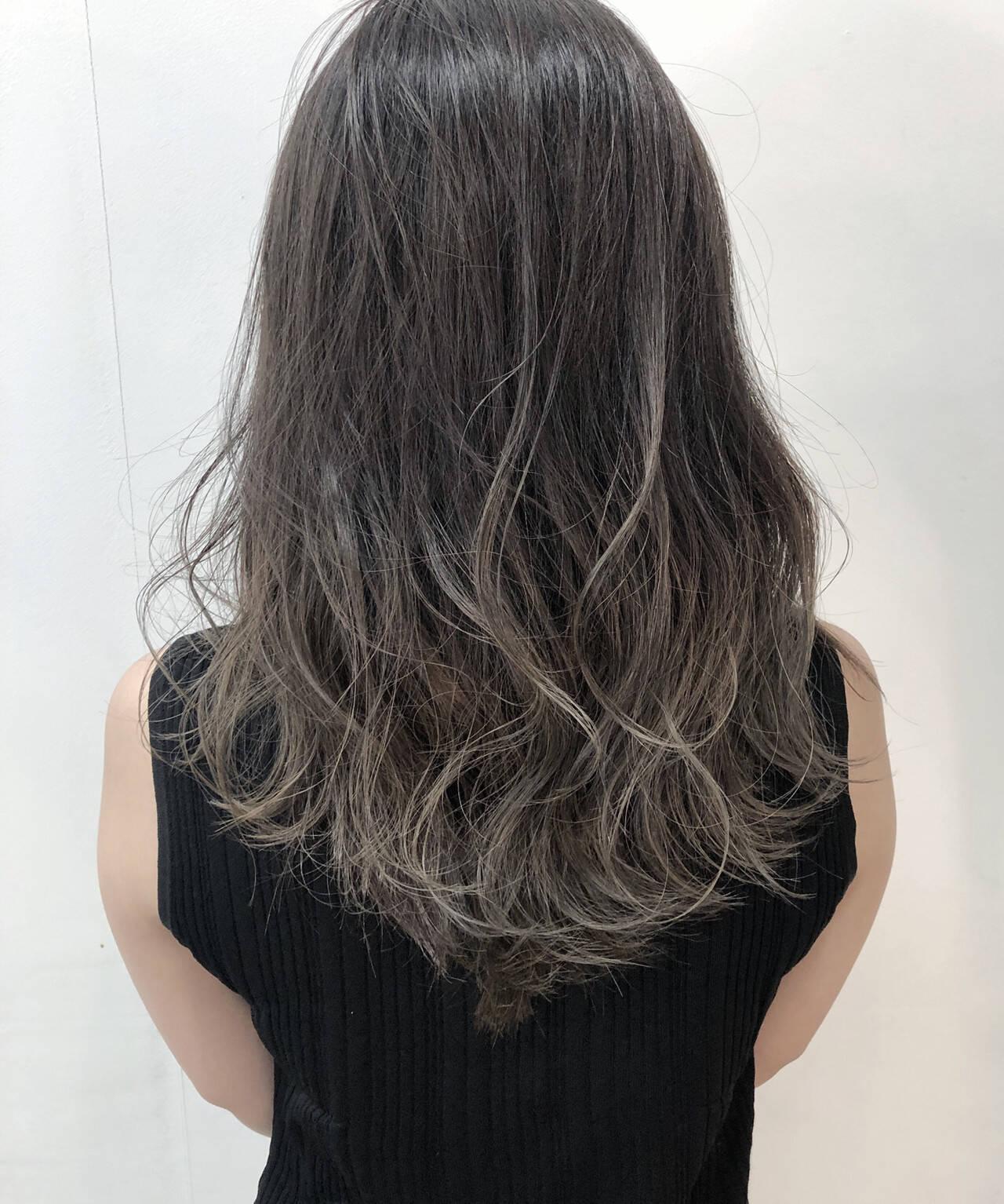 外国人風 圧倒的透明感 グラデーションカラー ロングヘアスタイルや髪型の写真・画像