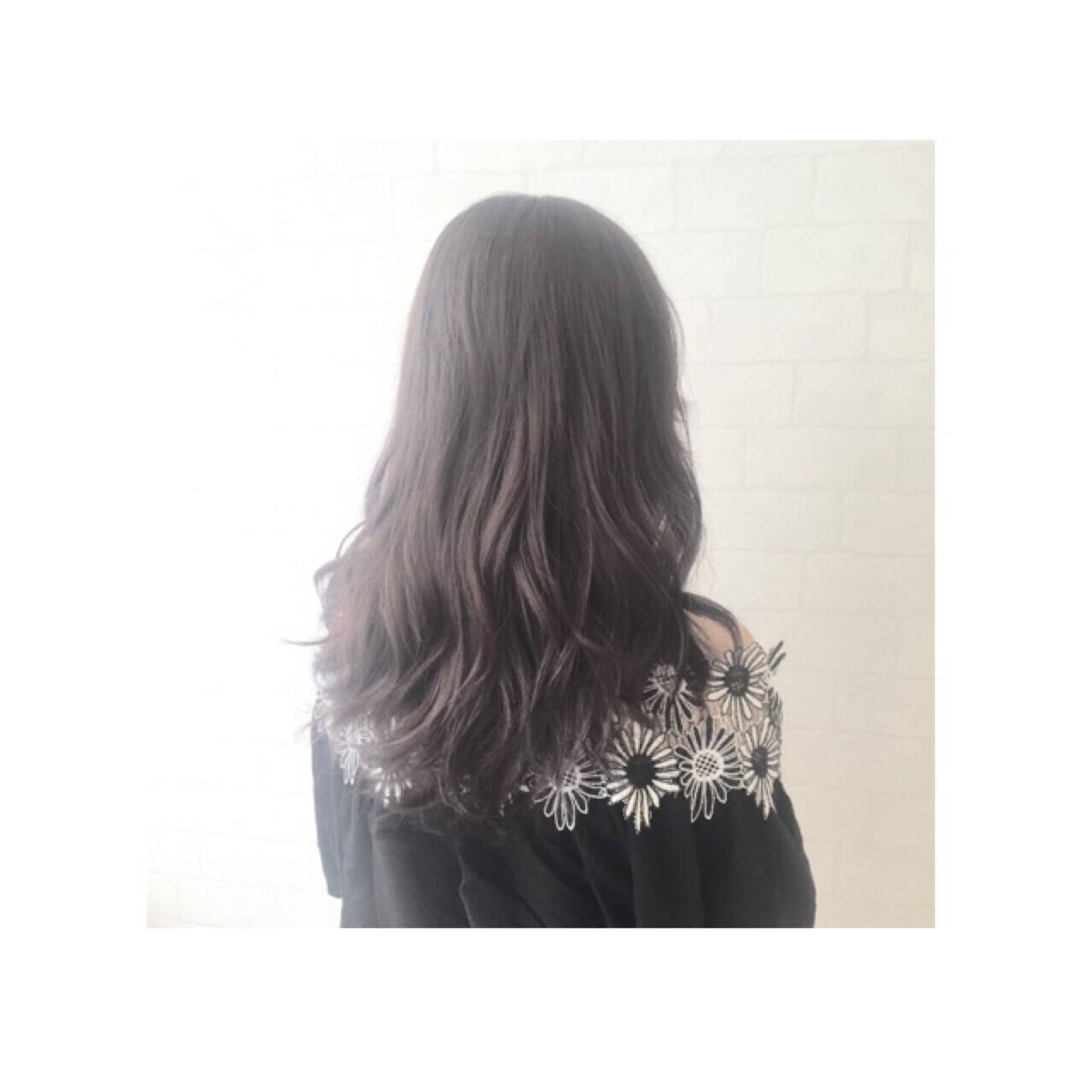 アッシュ ナチュラル セミロング 暗髪ヘアスタイルや髪型の写真・画像