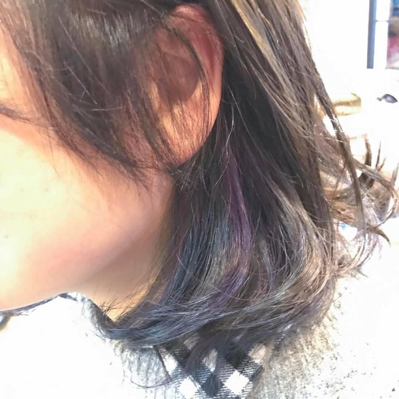 ブルー アッシュグレー アッシュ インナーカラーヘアスタイルや髪型の写真・画像