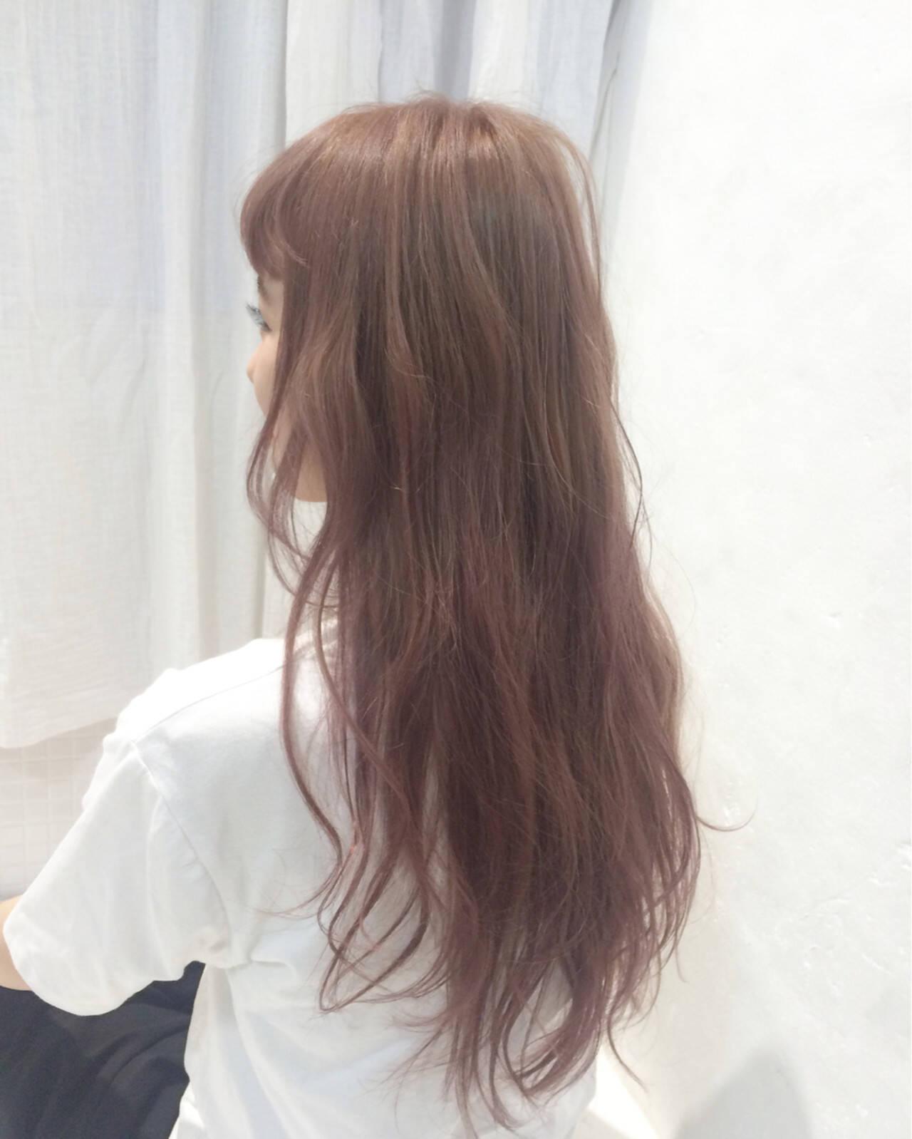ロング ピンク ダブルカラー 透明感ヘアスタイルや髪型の写真・画像