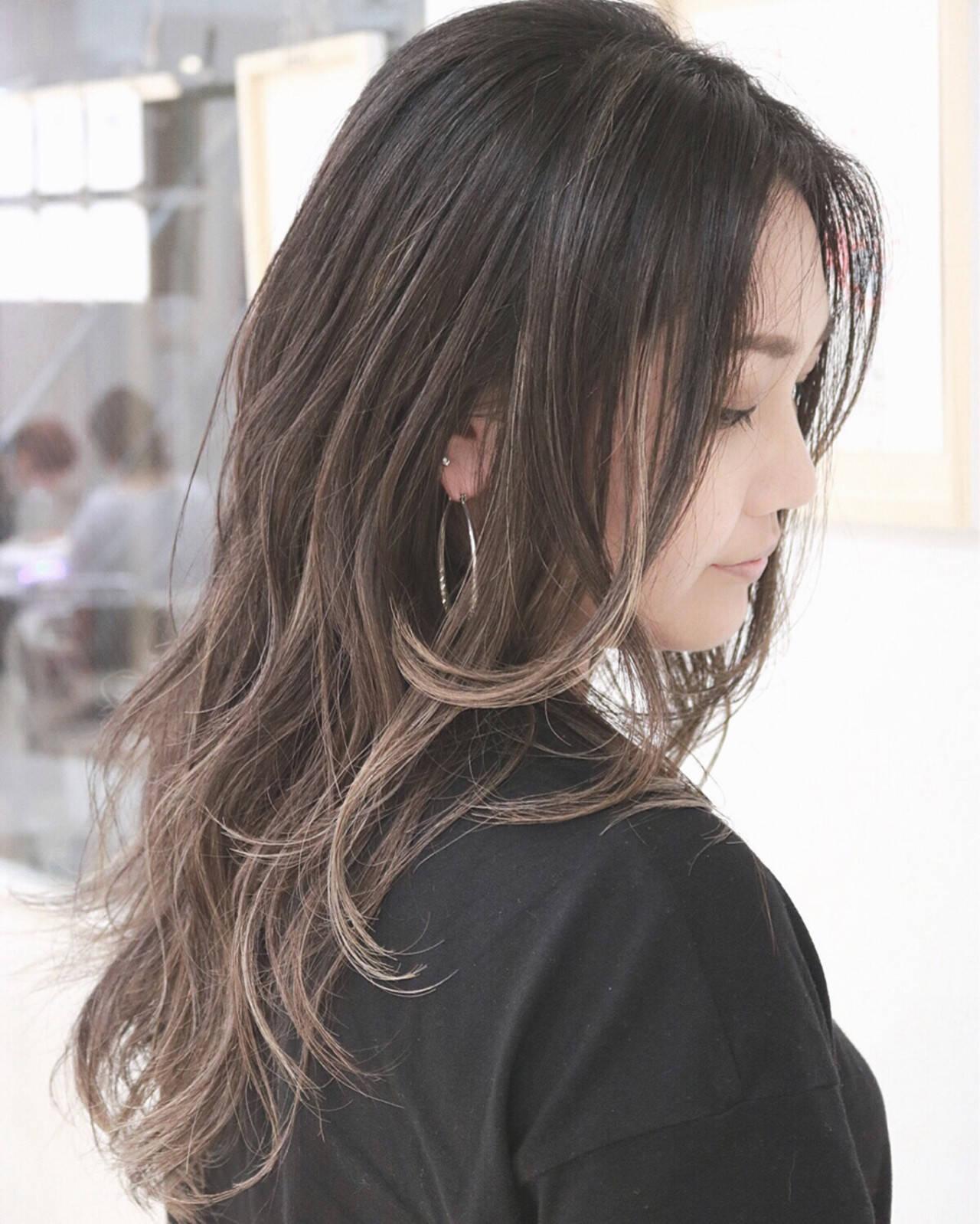 ロング グラデーションカラー ハイライト ナチュラルヘアスタイルや髪型の写真・画像
