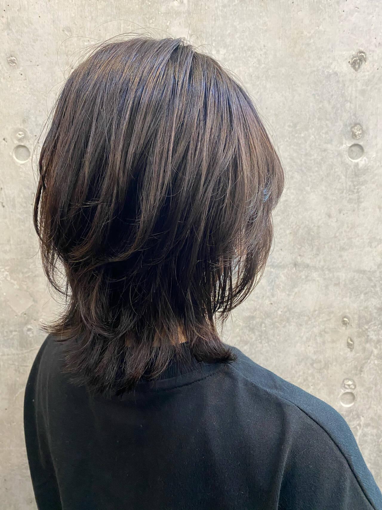 モード ウルフ ミディアム ウルフカットヘアスタイルや髪型の写真・画像