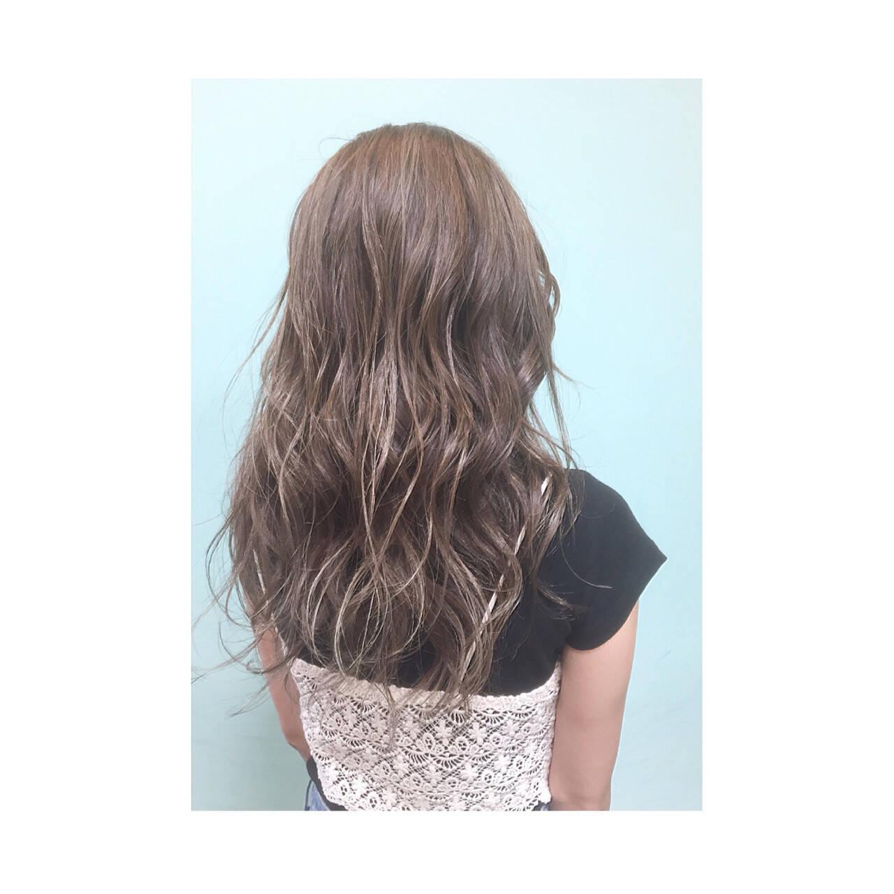 ゆるふわ セミロング グラデーションカラー アッシュヘアスタイルや髪型の写真・画像