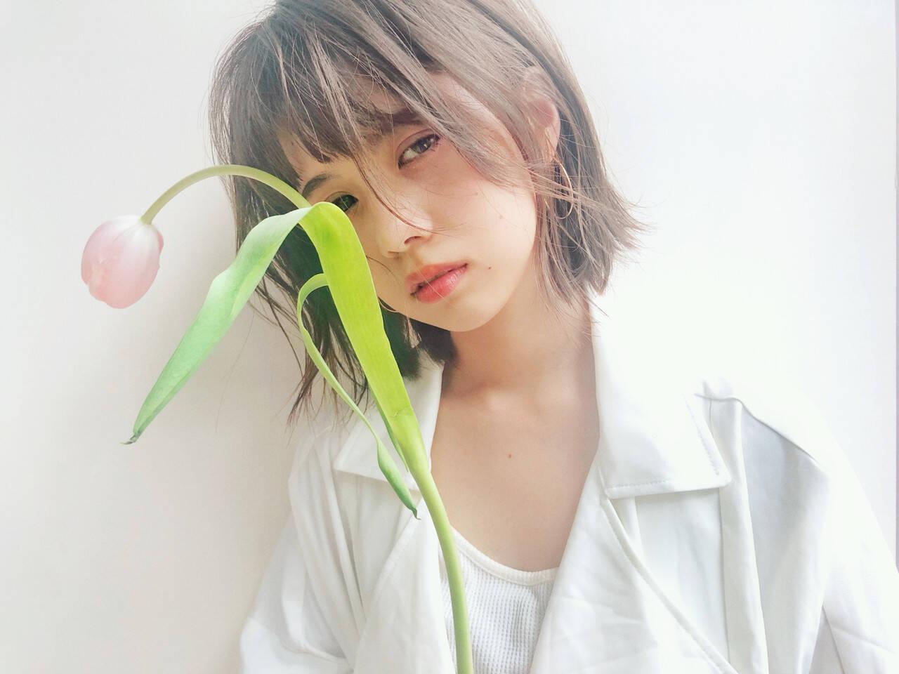 ストレート 簡単ヘアアレンジ 透明感カラー シースルーバングヘアスタイルや髪型の写真・画像
