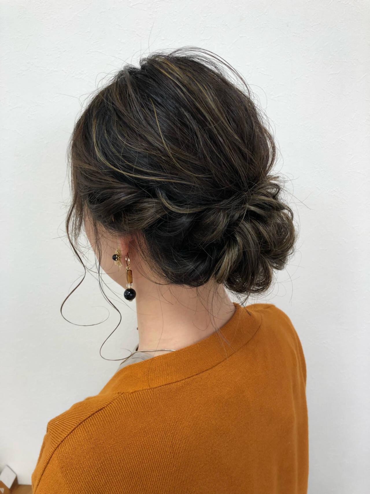 ナチュラル ヘアアレンジ セミロング シニヨンヘアスタイルや髪型の写真・画像