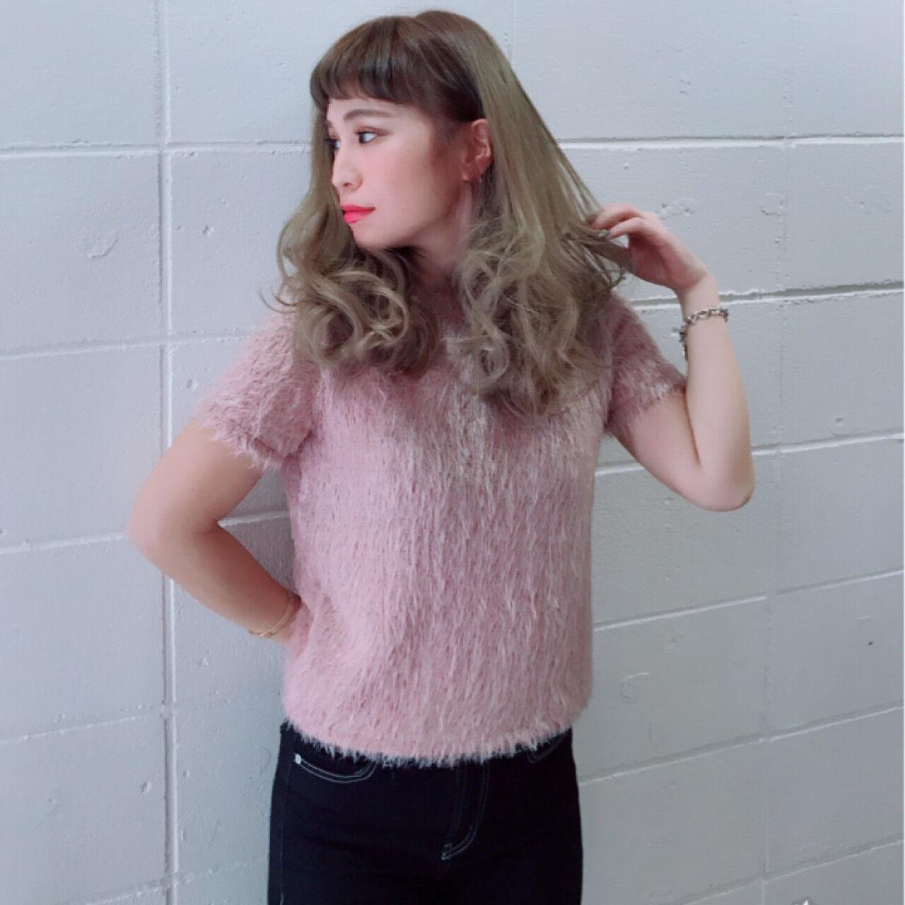 デート ガーリー 大人女子 セミロングヘアスタイルや髪型の写真・画像