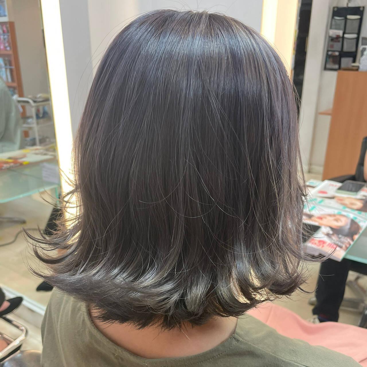 切りっぱなしボブ ミディアム 透明感カラー ダブルカラーヘアスタイルや髪型の写真・画像