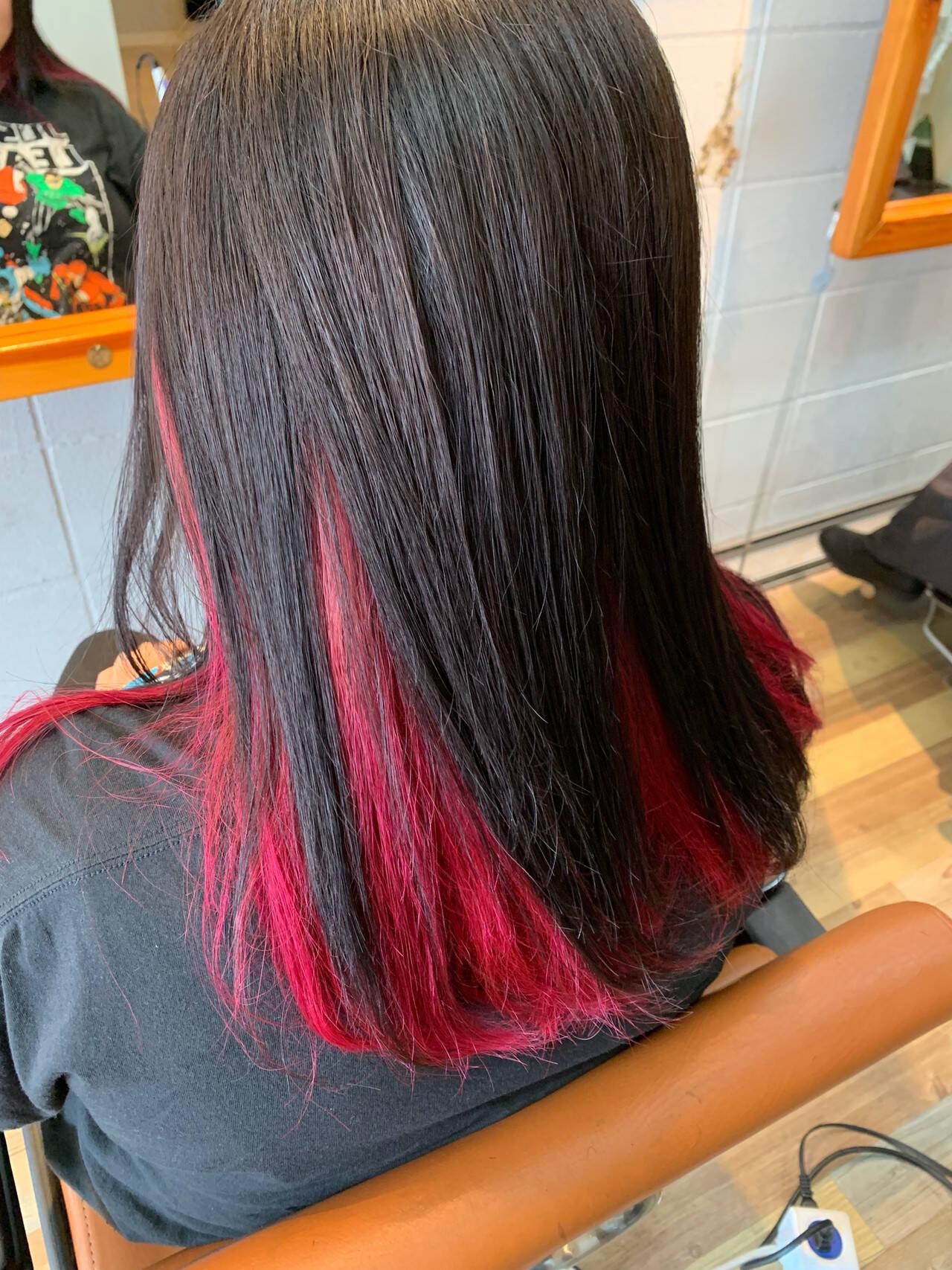 デザインカラー アッシュグレー セミロング ピンクヘアスタイルや髪型の写真・画像