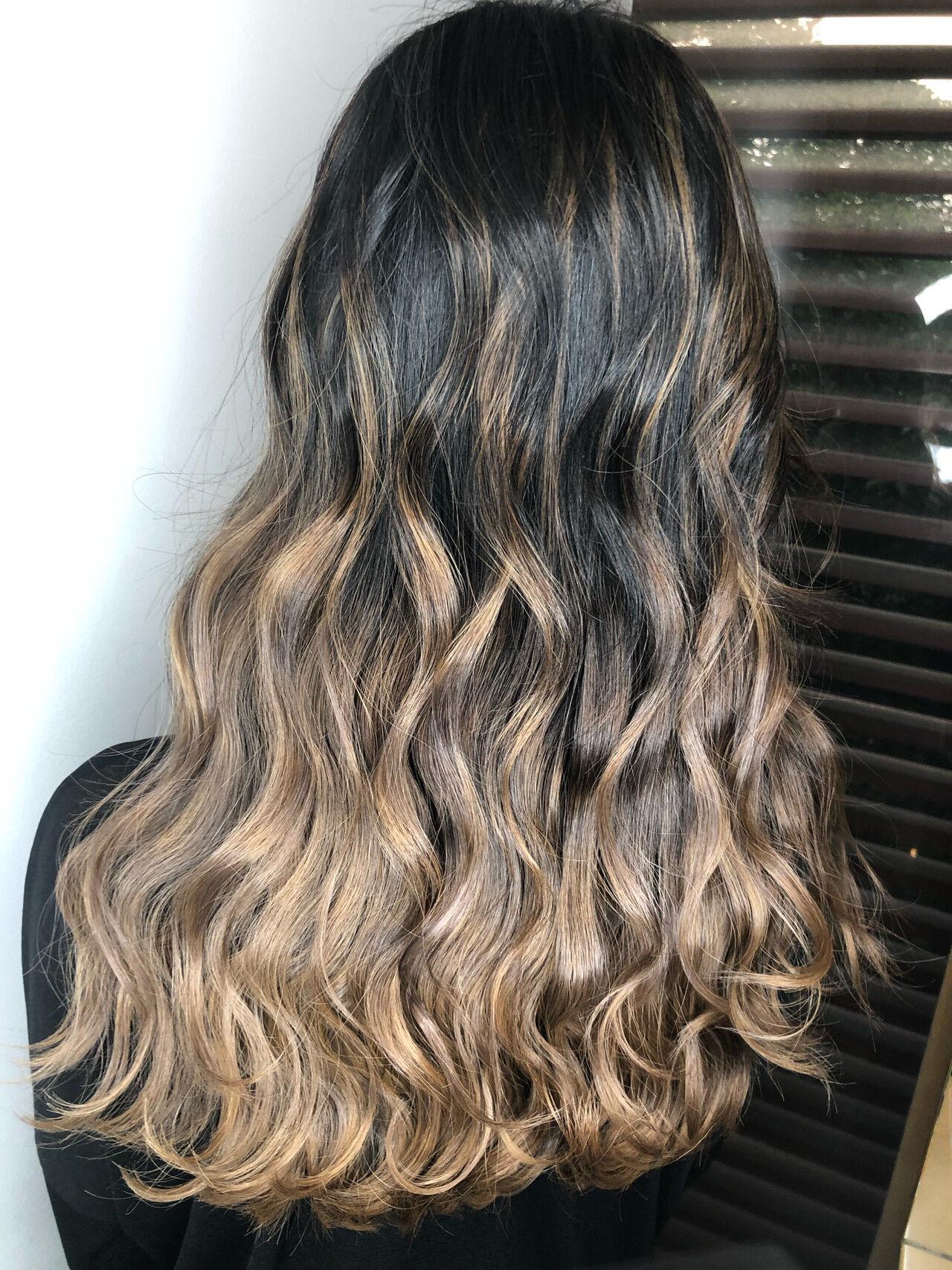 アッシュ 外国人風カラー エレガント ハイライトヘアスタイルや髪型の写真・画像