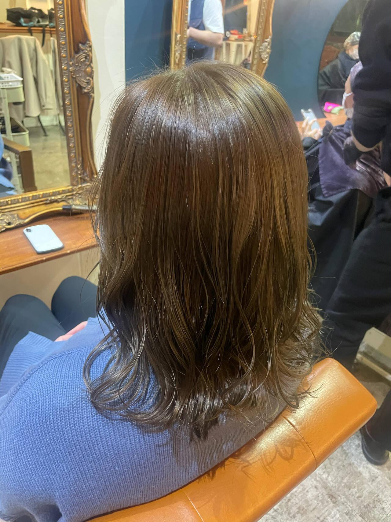 オリーブベージュ ナチュラル ベージュ オリーブグレージュヘアスタイルや髪型の写真・画像