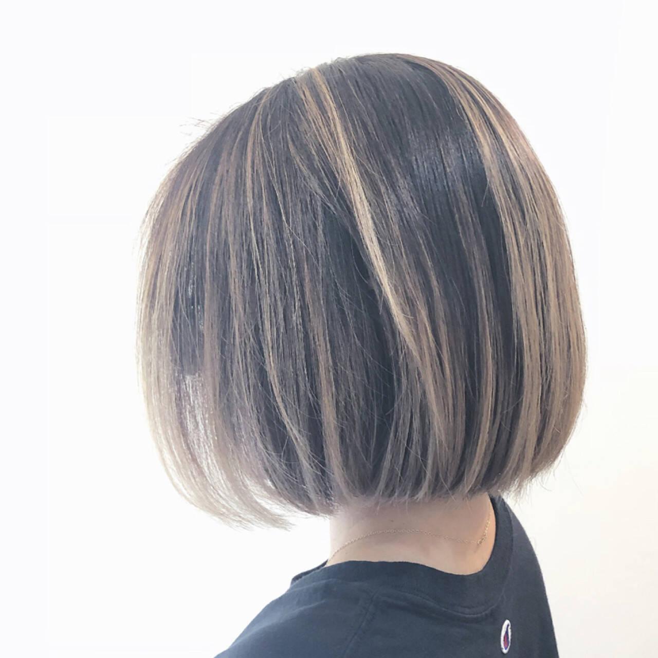 ボブ グレージュ バレイヤージュ グラデーションカラーヘアスタイルや髪型の写真・画像
