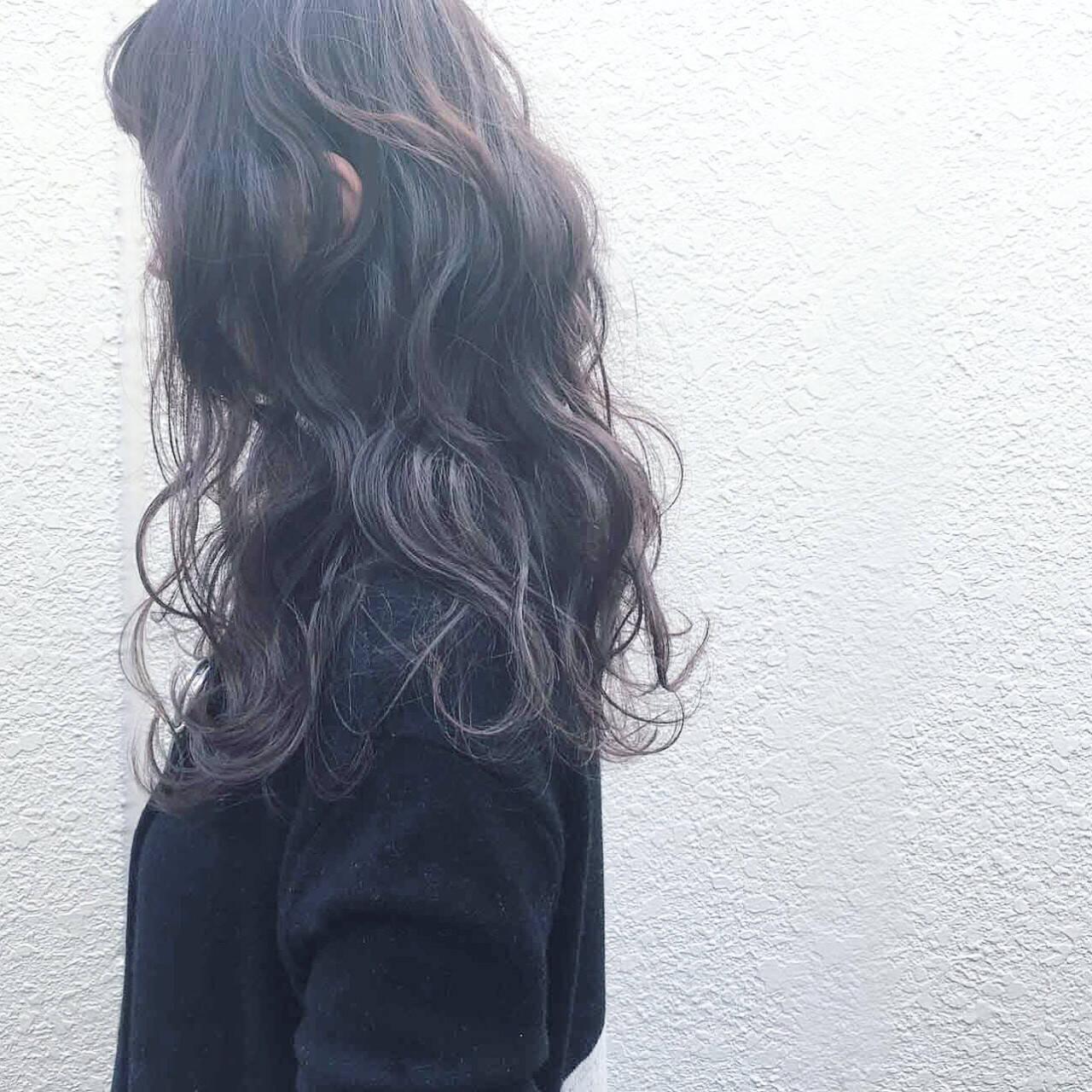 ゆるふわ 外国人風 前髪あり 暗髪ヘアスタイルや髪型の写真・画像