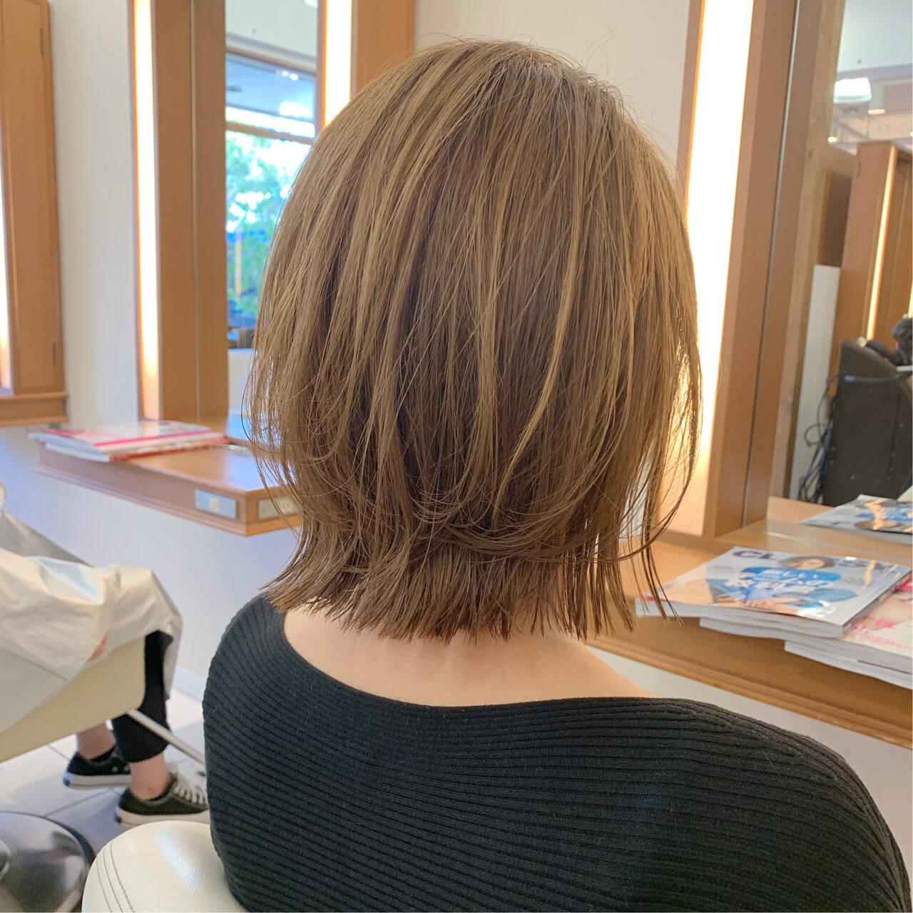 ボブ レイヤーボブ まとまるボブ ナチュラルヘアスタイルや髪型の写真・画像