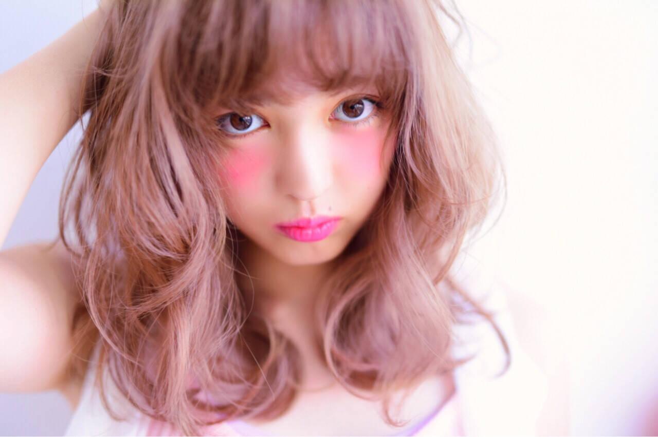 ピンク ボブ 色気 ミディアムヘアスタイルや髪型の写真・画像