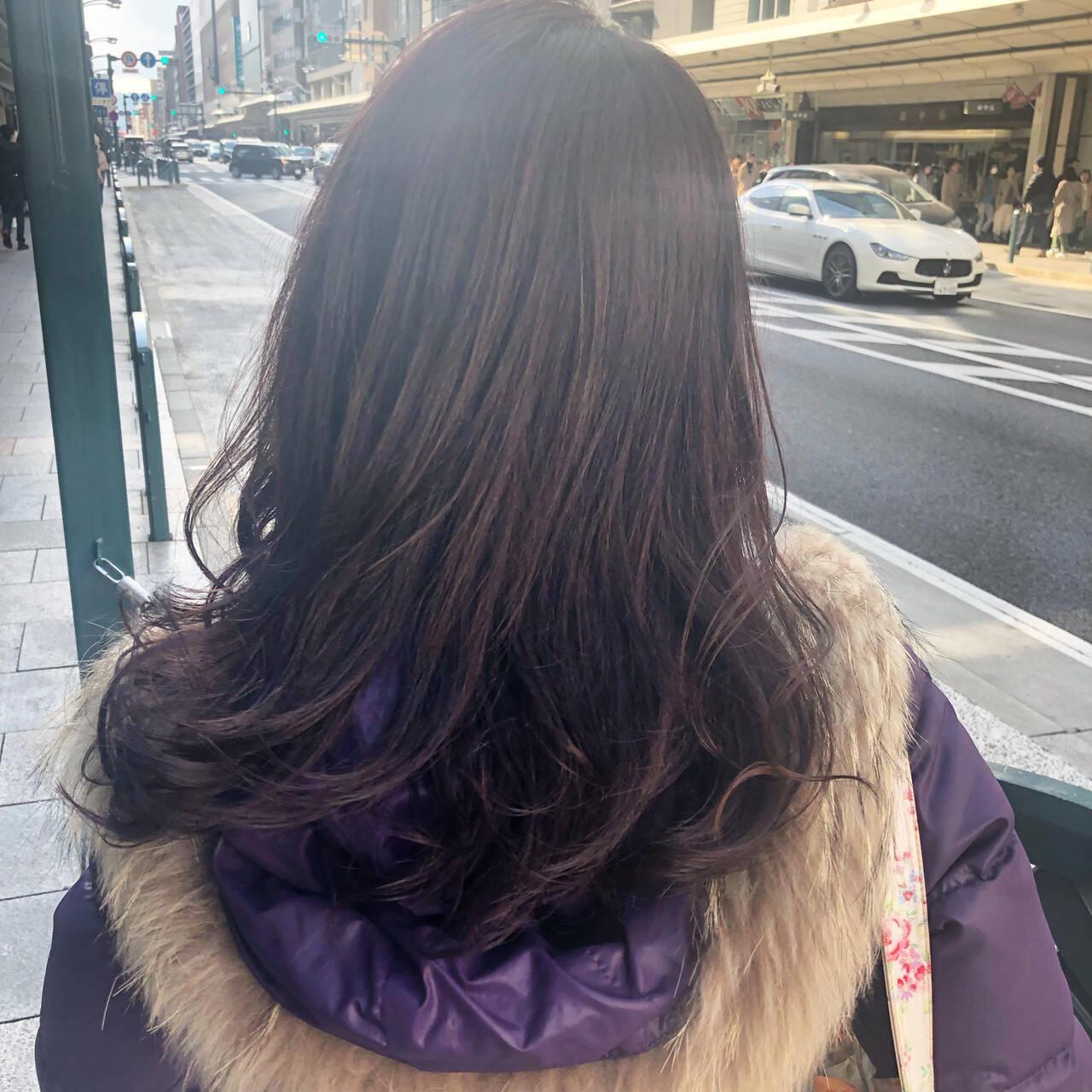 ラベンダーピンク ミディアムレイヤー ロング 外国人風カラーヘアスタイルや髪型の写真・画像