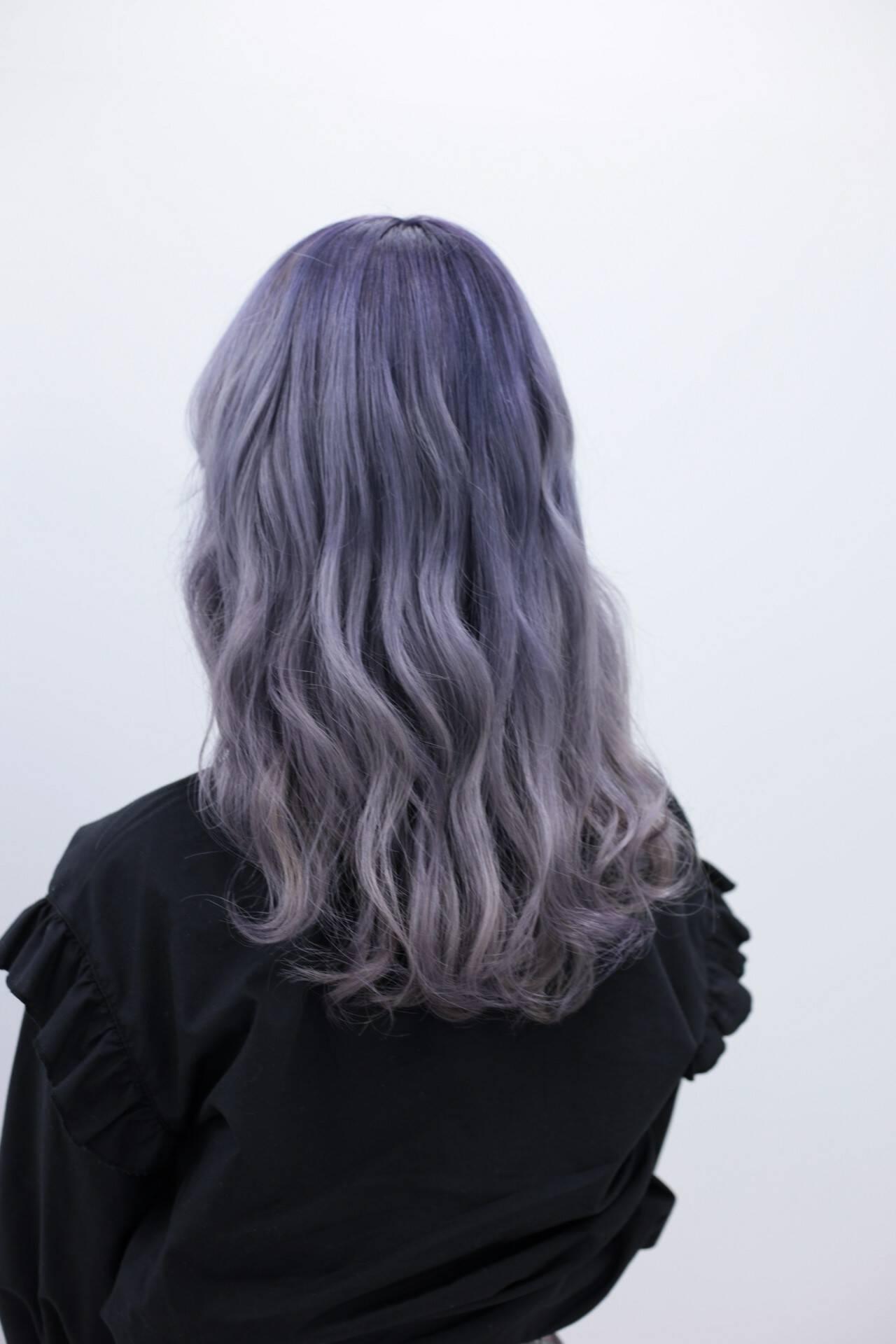 ハイトーン ラベンダーアッシュ セミロング ストリートヘアスタイルや髪型の写真・画像