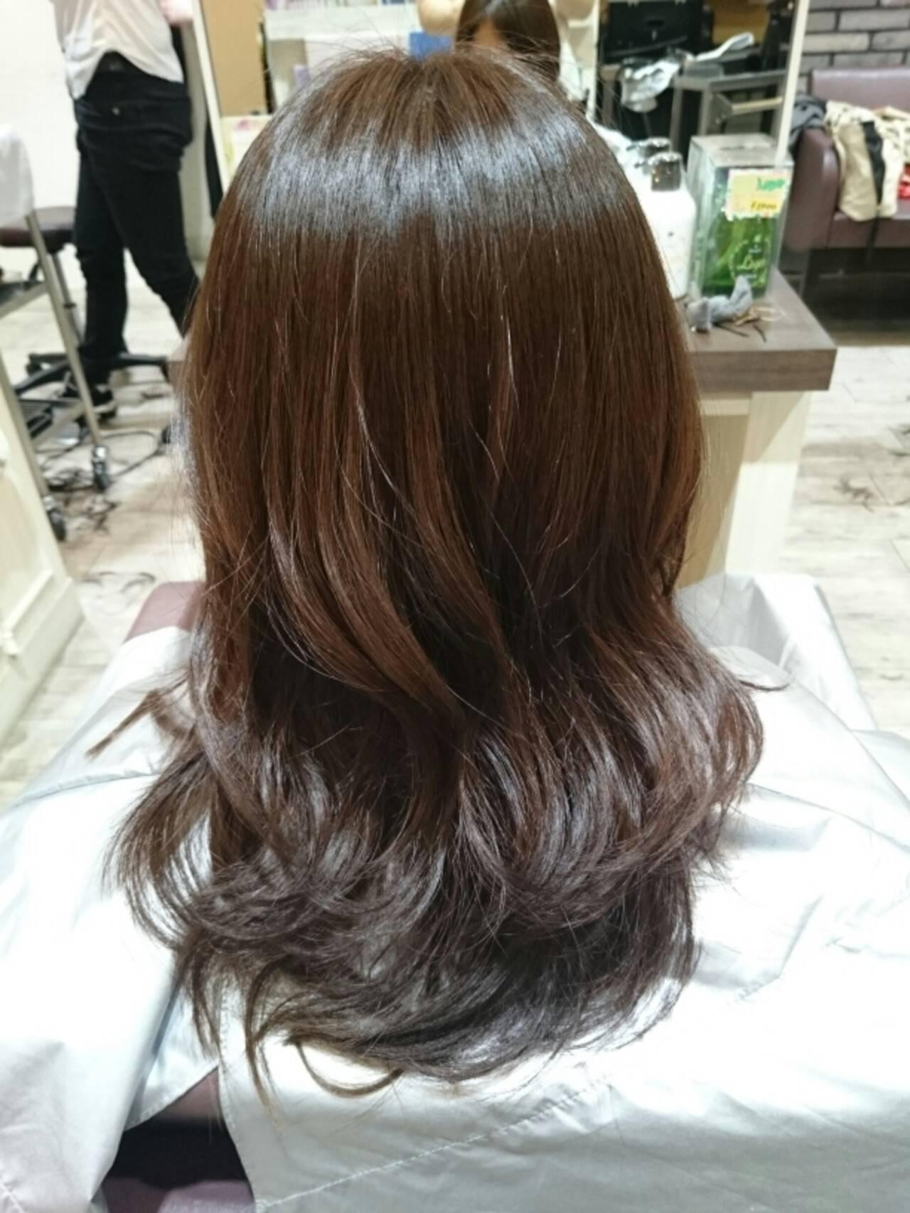 外国人風 セミロング アッシュブラウン ゆるふわヘアスタイルや髪型の写真・画像