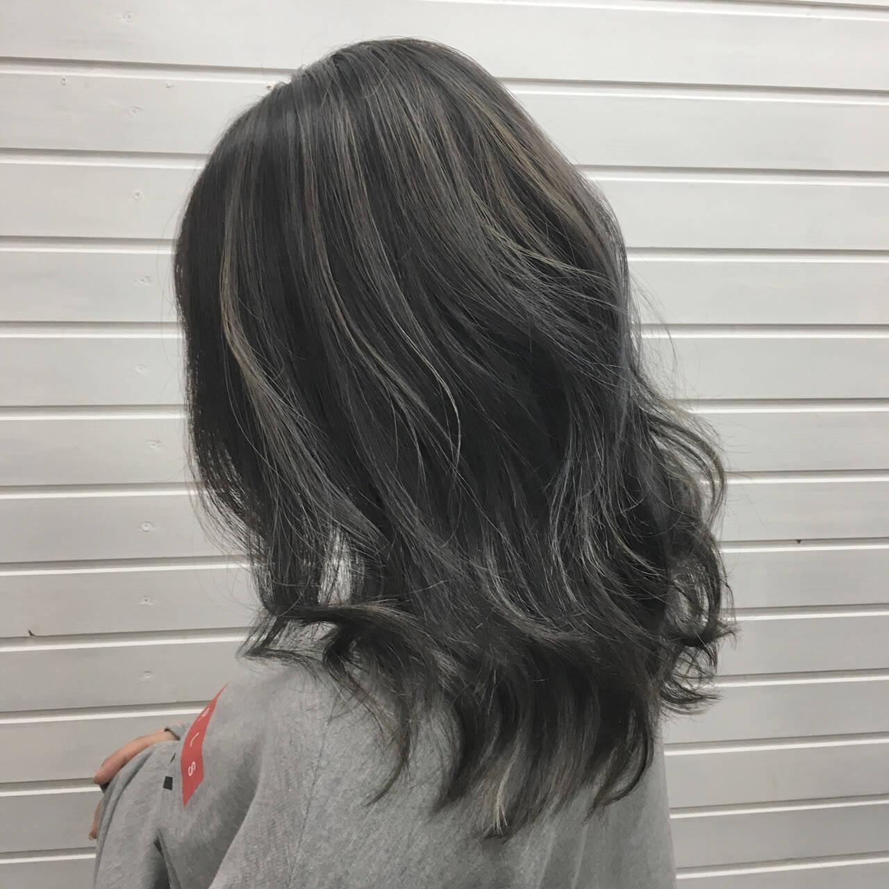 エレガント バレイヤージュ ハイライト コントラストハイライトヘアスタイルや髪型の写真・画像