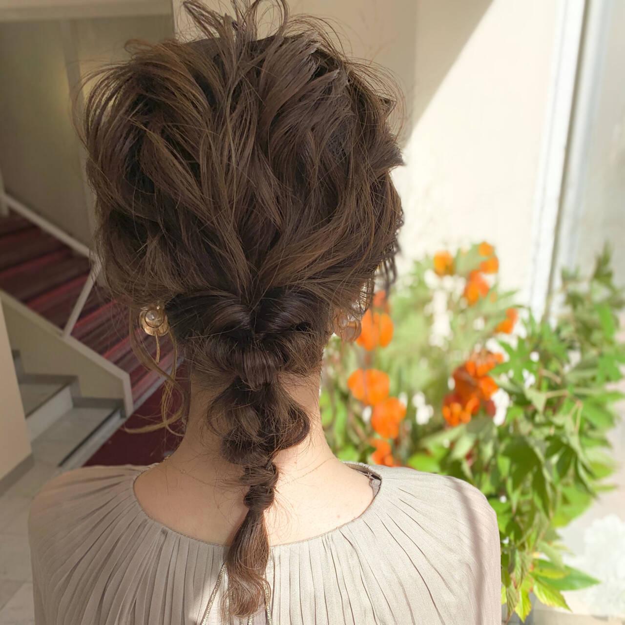 フェミニン ヘアアレンジ セミロング 編みおろしヘアスタイルや髪型の写真・画像
