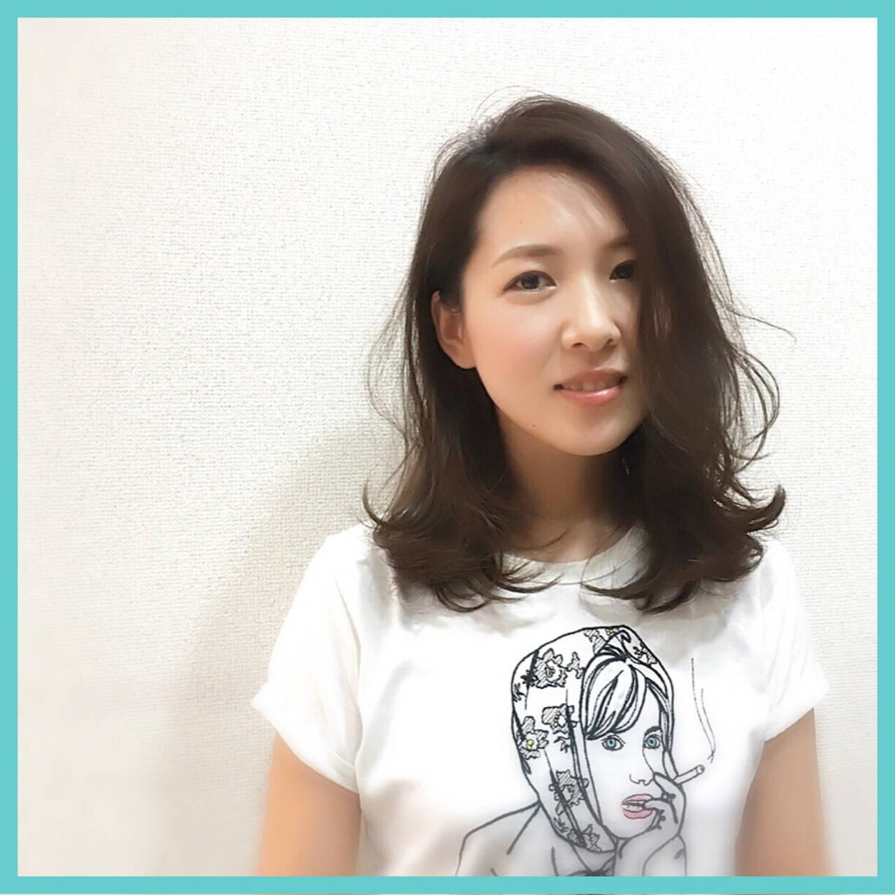 ゆるふわ レイヤーカット ニュアンス 小顔ヘアスタイルや髪型の写真・画像
