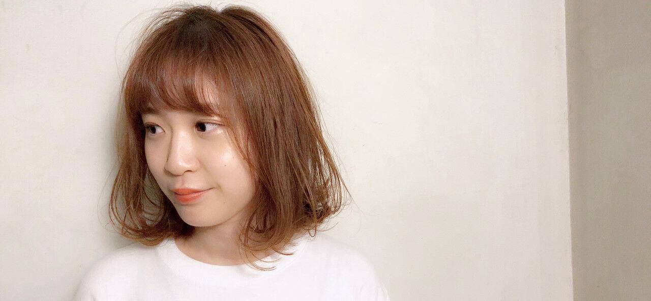 ベージュ セミウェット シースルーバング ボブヘアスタイルや髪型の写真・画像