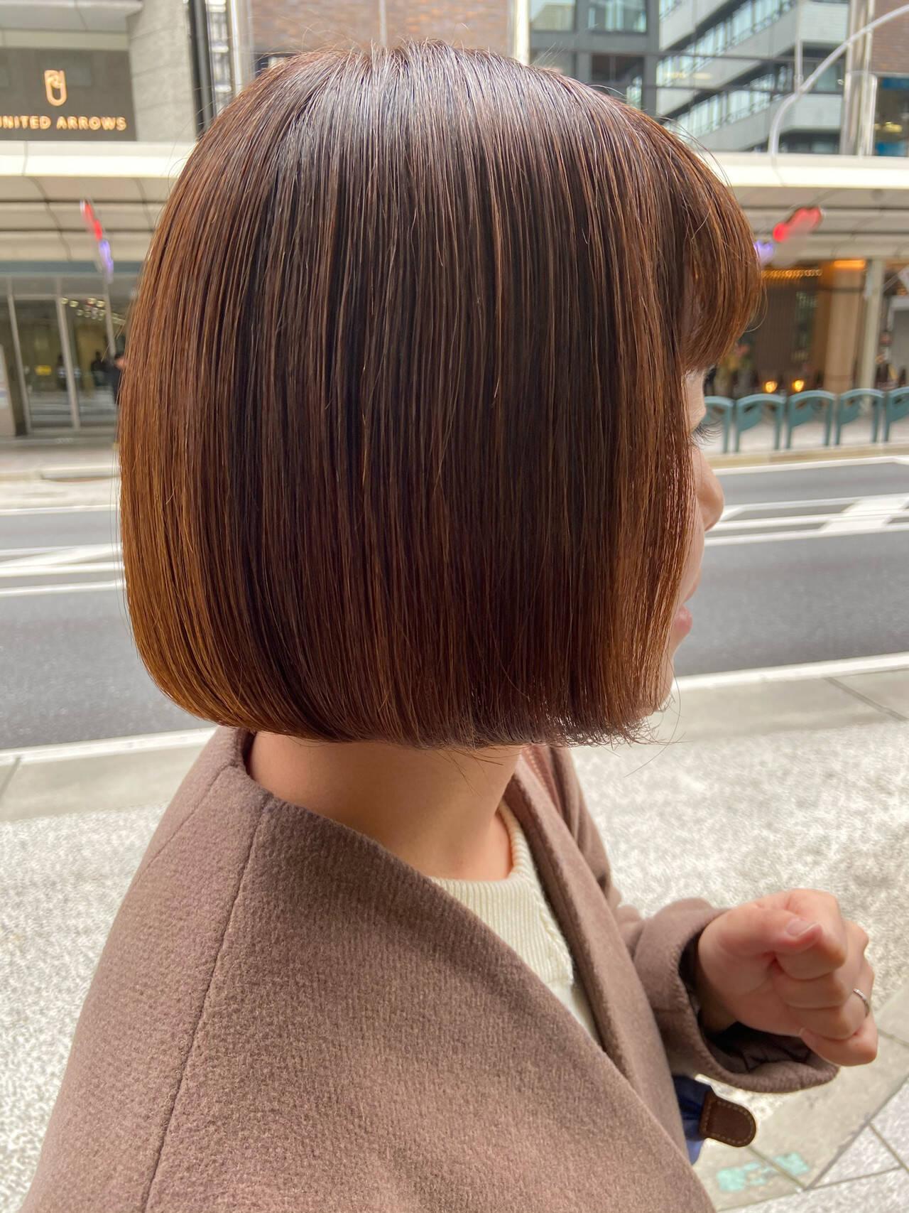 ミニボブ 切りっぱなしボブ まとまるボブ ナチュラルヘアスタイルや髪型の写真・画像
