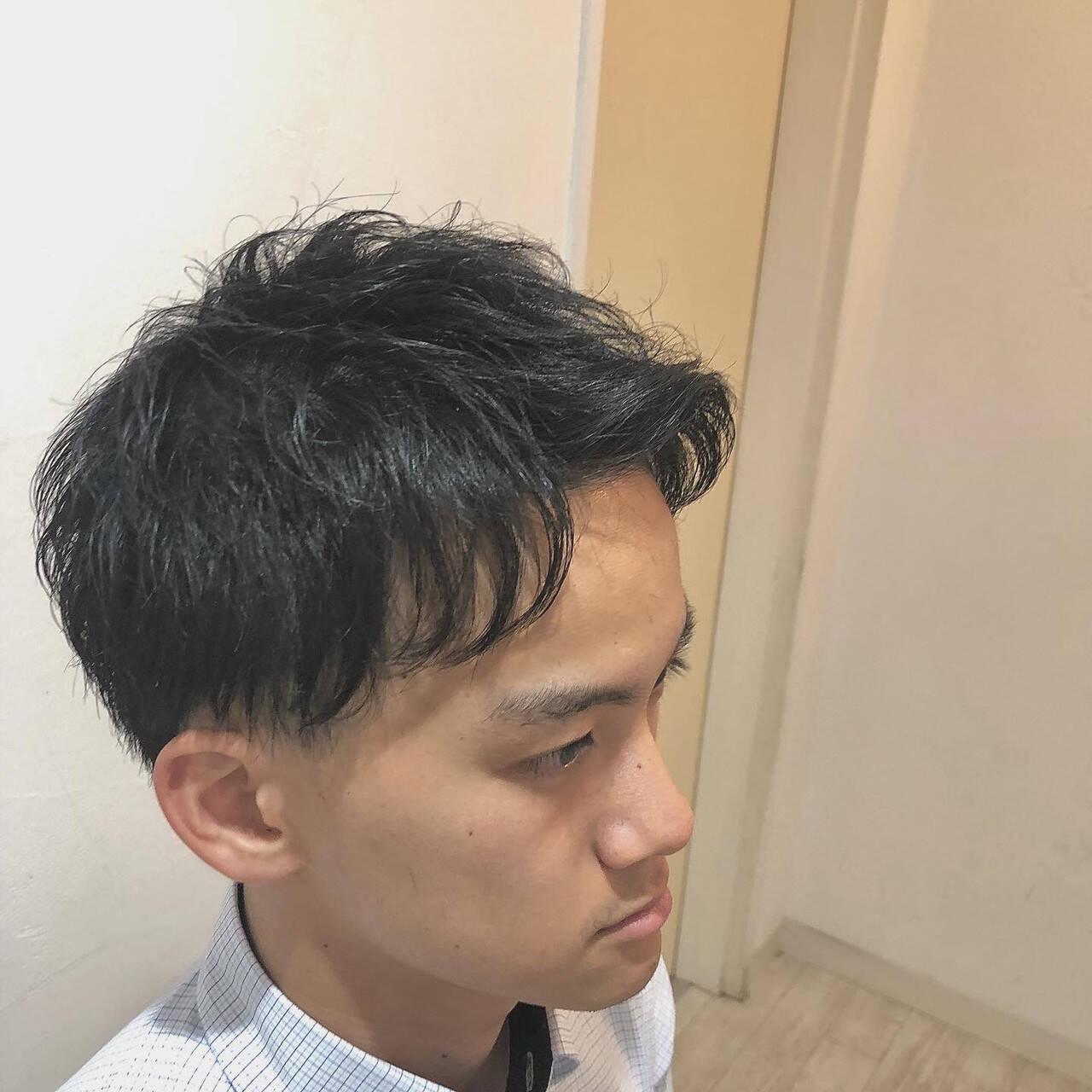 ナチュラル ショート メンズカット アップバングヘアスタイルや髪型の写真・画像