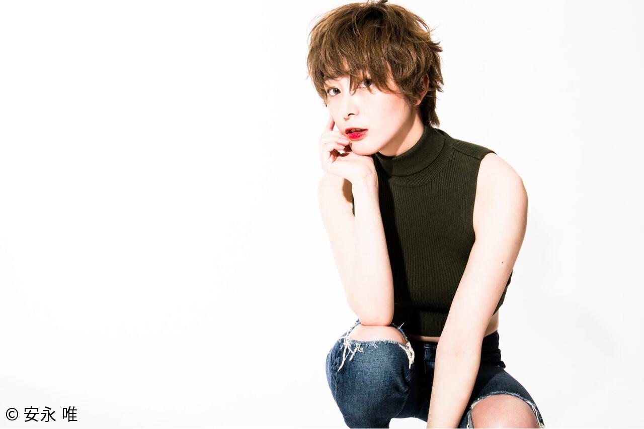 色気 ハイトーン ショート 外国人風ヘアスタイルや髪型の写真・画像