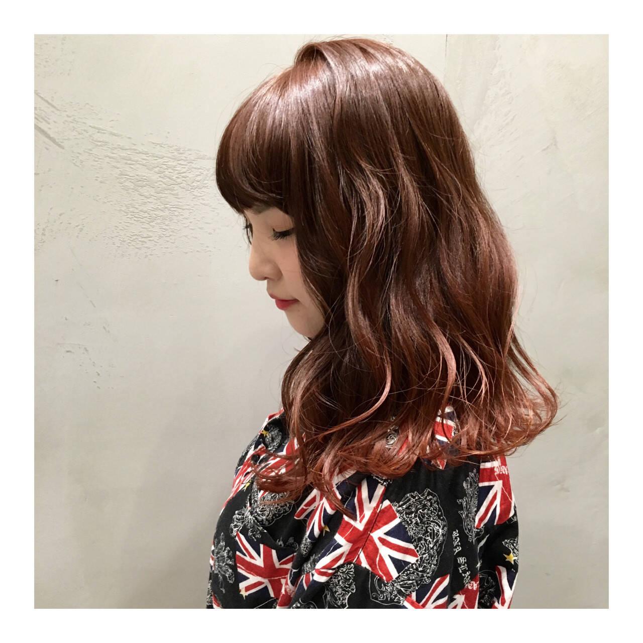 ストリート オレンジ グラデーションカラー セミロングヘアスタイルや髪型の写真・画像