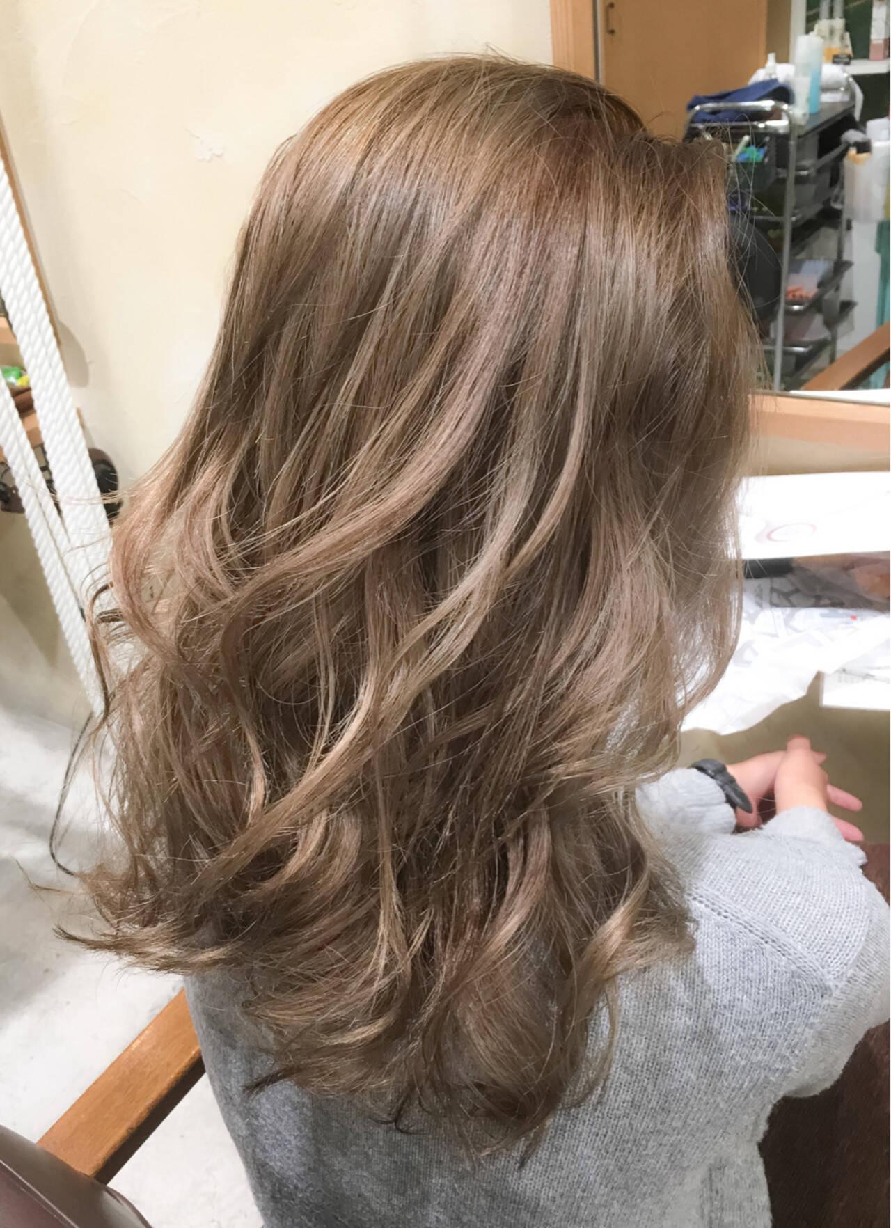 外国人風 グラデーションカラー かき上げ前髪 ロングヘアスタイルや髪型の写真・画像