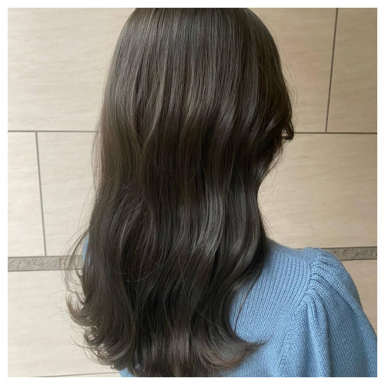 セミロング 地毛風カラー 韓国ヘア ヨシンモリヘアスタイルや髪型の写真・画像