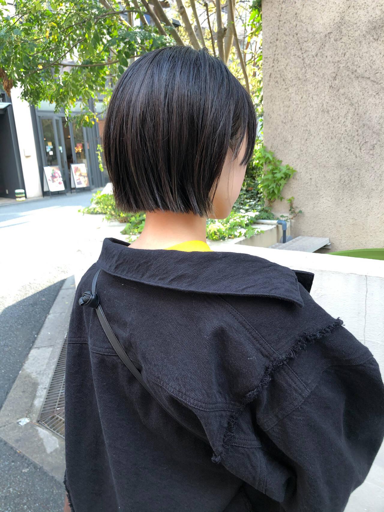 アッシュ ボブ ストリート 切りっぱなしボブヘアスタイルや髪型の写真・画像