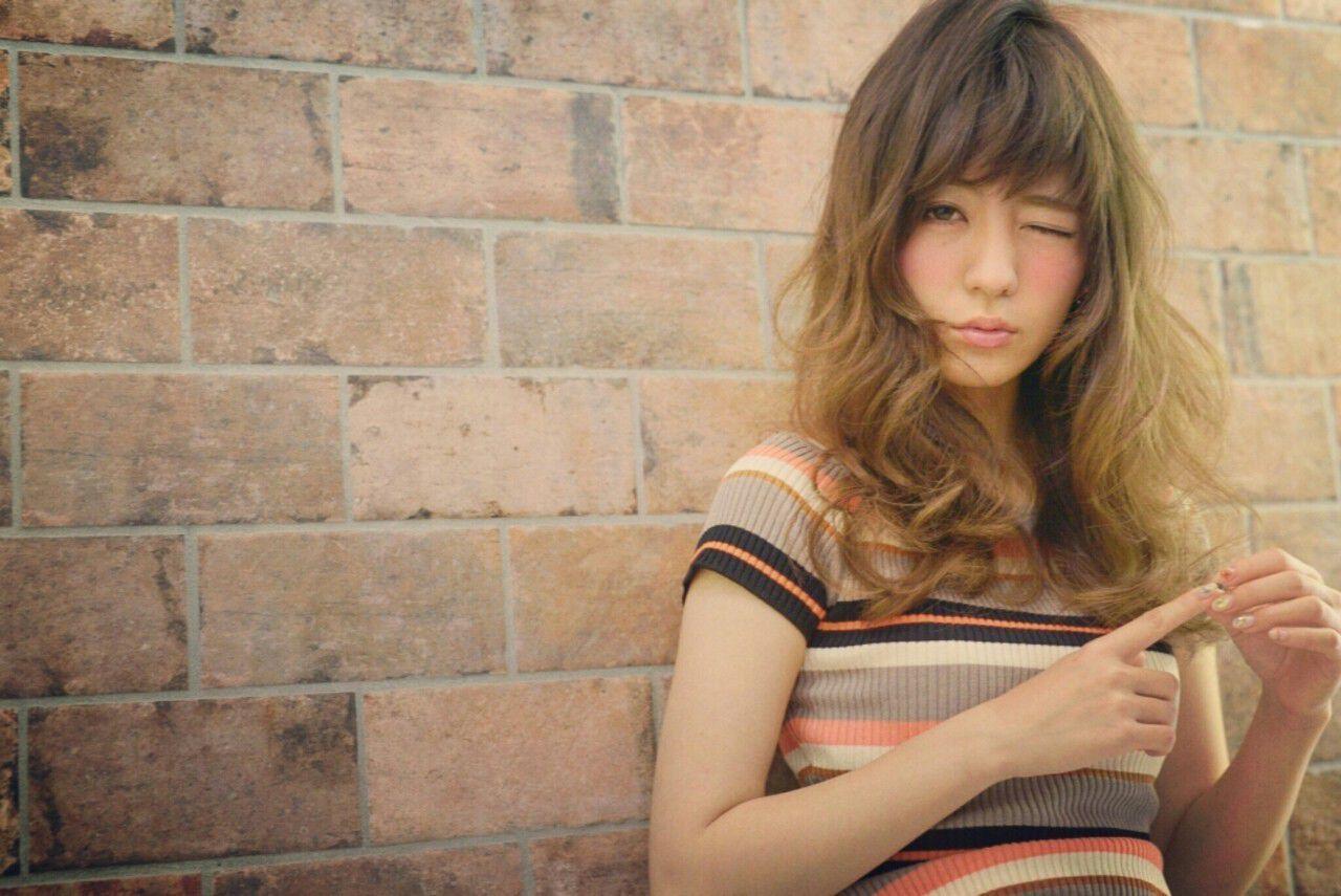 セミロング ハイライト 外国人風 大人かわいいヘアスタイルや髪型の写真・画像