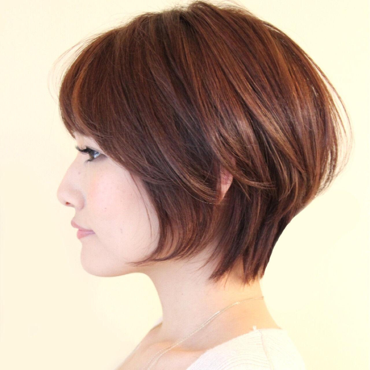 アッシュ 大人女子 小顔 前髪ありヘアスタイルや髪型の写真・画像