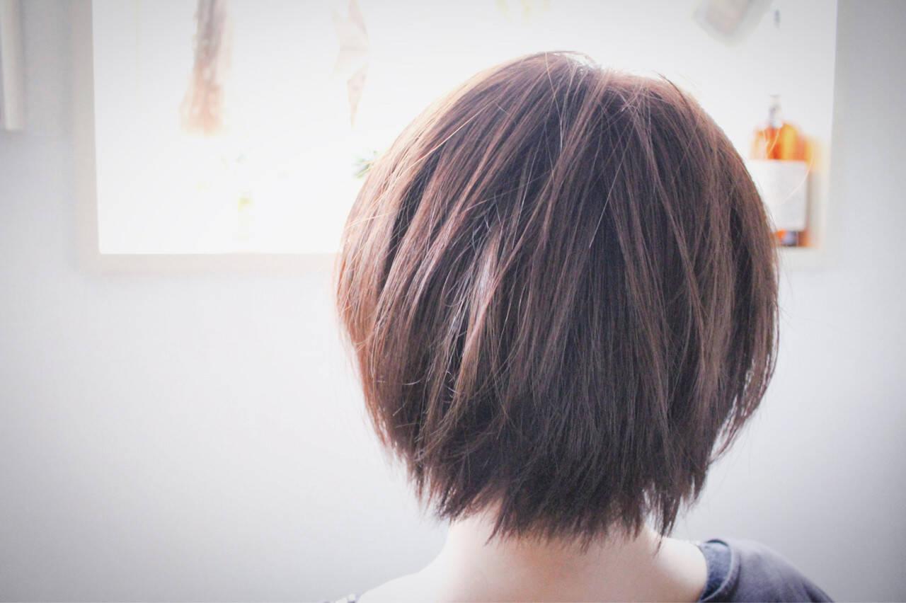グレージュ ボブ ナチュラル ラベンダーピンクヘアスタイルや髪型の写真・画像