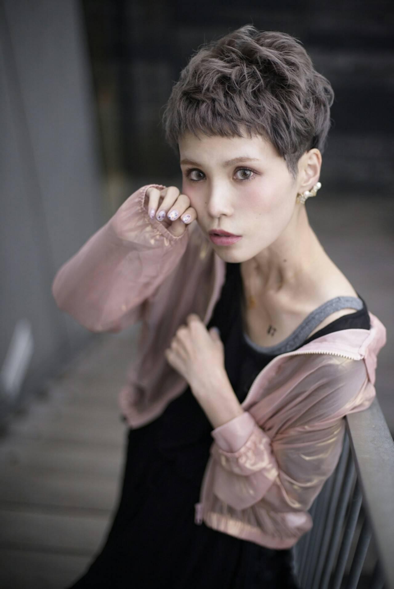 アッシュ 透明感 ラベンダーアッシュ ベリーショートヘアスタイルや髪型の写真・画像